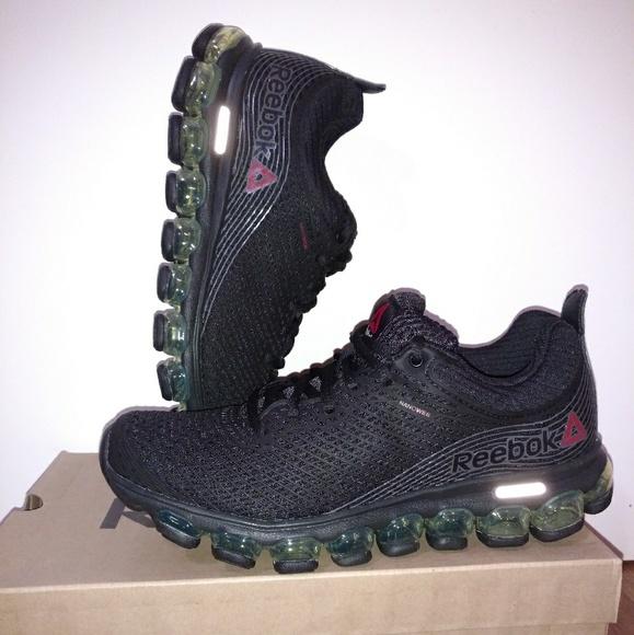 05e49fed58704 NWT Reebok ZJet Running Shoes
